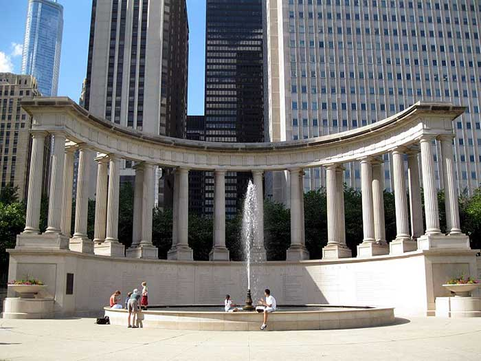 Millennium_Monument_in_Wrigley_Square