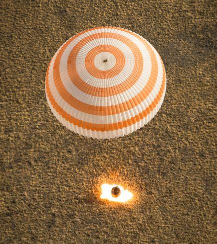 Spacephotos-26-6-923