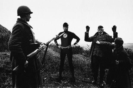 باز هم سربازان آلمانی تسلیم می شوند، 1945