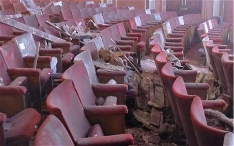 سالن تئاتر 112 ساله لندن فرو ریخت