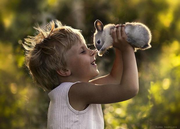 عکسهای جادویی مادر روس از فرزندانش در کنار حیوانات